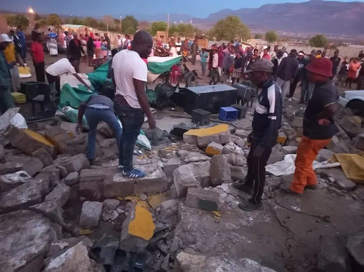 4 people killed when wall collapses on guests during a lobola ceremony in GaChuene Thokgwaneng, South Africa