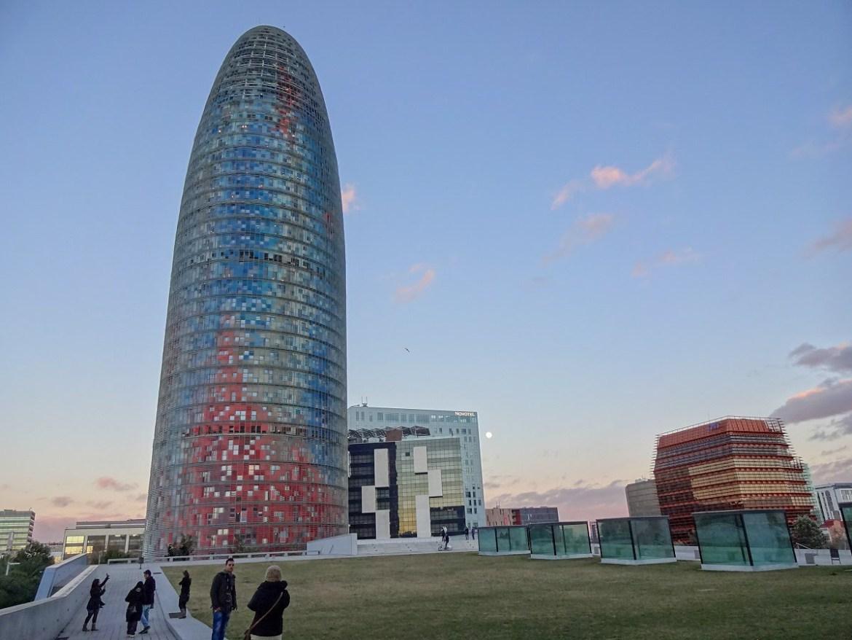 Barcelona wieża Agbar Tower Barcelona co zobaczyć i zwiedzić w barcelonie blog