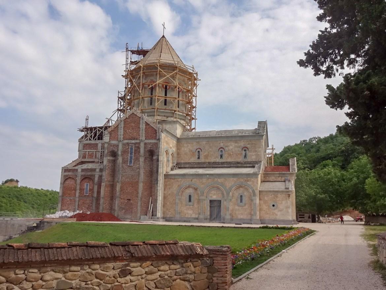 Monastyr Bodbe okolice Sighnagi Gruzja Co zwiedzić i zobaczyć w Grucji