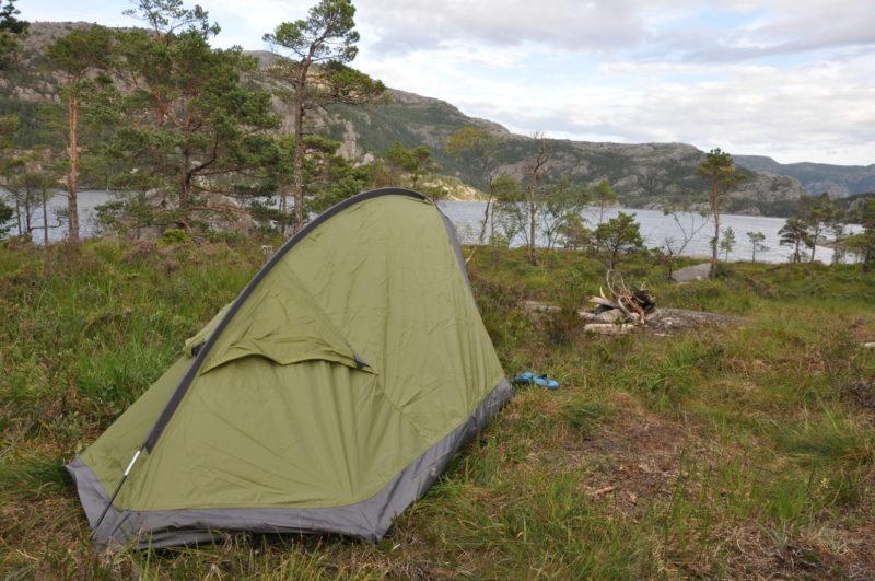 Preikestolen Spanie pod namiotem