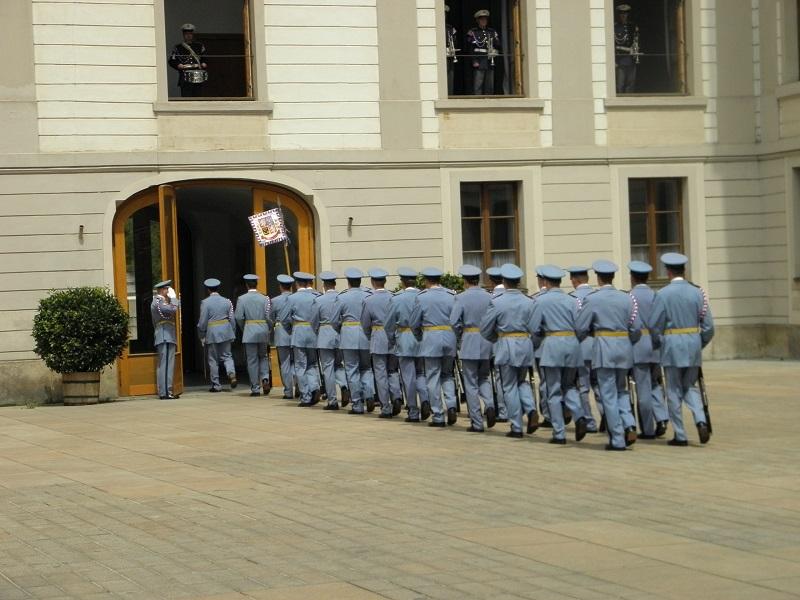 Praga Zmiana warty Hradczany
