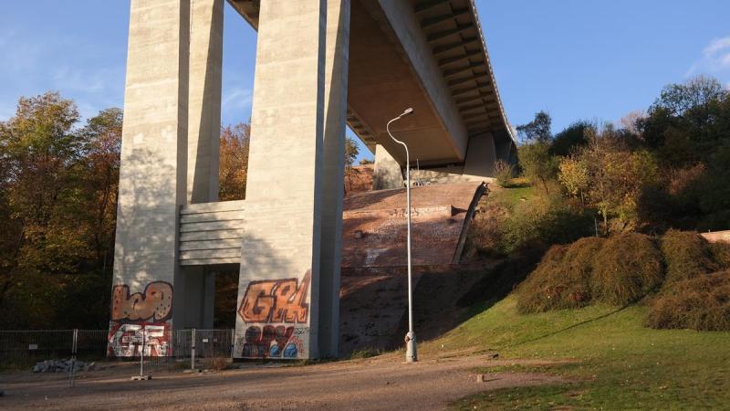 Praga folimanka most samobójców