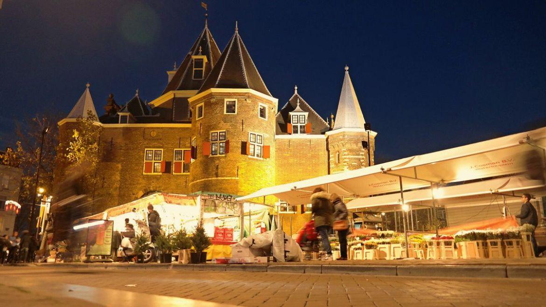 Waag przy placu Nieuwmarkt
