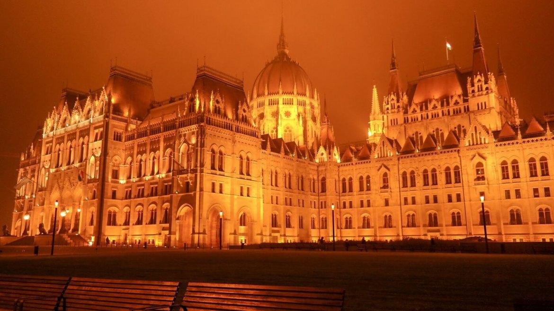 budapeszt parlament nocą co zwiedzię i zobaczyć w budapeszcie w weekend 2