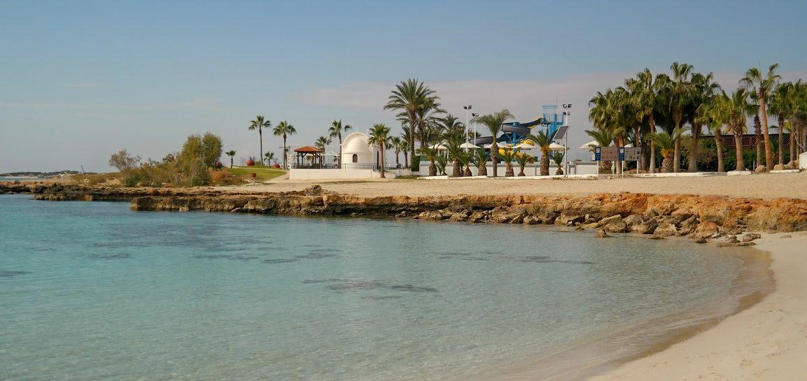 Cypr Aya Napa plaża grudzień palmy piasek woda cypr co zwiedzic i zobaczyć na cyprze