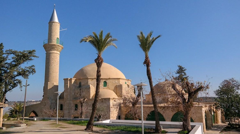 Hala Sultan Tekke Meczet Larnaka co zwiedzic i zobaczyć na cyprze blog Zwiedzanie cypru