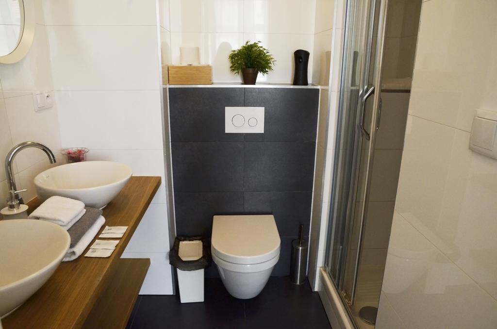 the-republic-garden praga toaleta