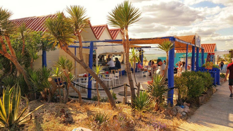 Kolorowe restauracje i domki na Farol