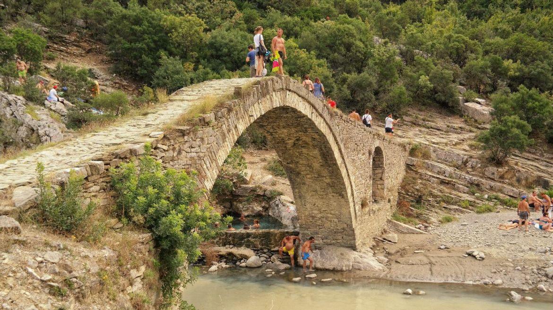 Most Kanion Albania Termy Co zobaczyć w Albanii