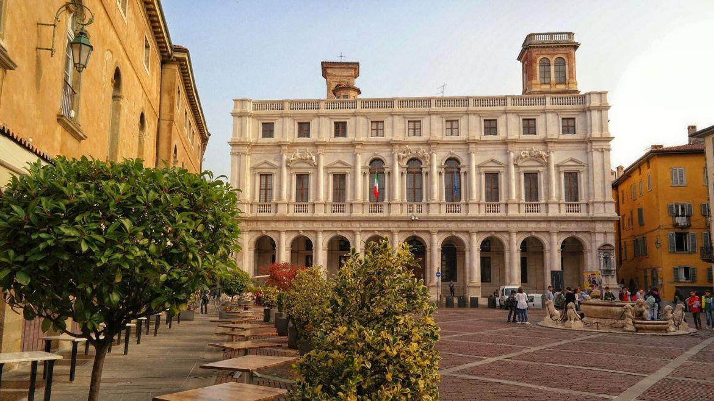 Palazzo Nuovo Bergamo Co zwiedzic w bergamo