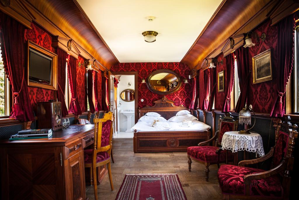 salonka hotel carski bialowieża