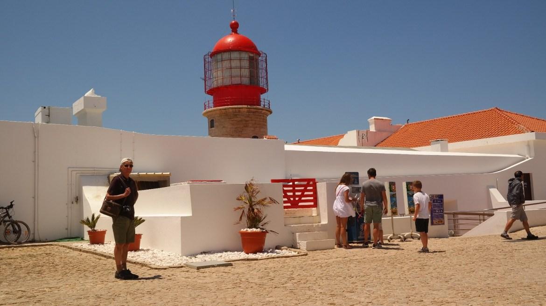 Latarnia Cabo de São Vicente klify Algarve zachodnie Portugalia