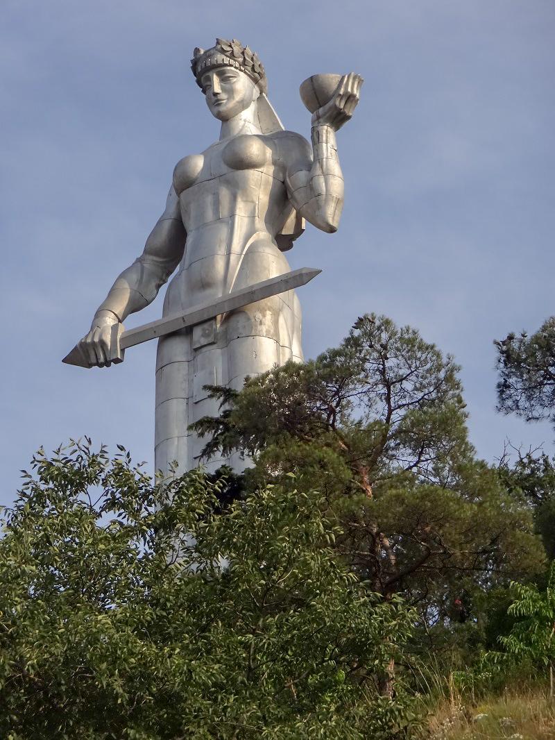 Matka narodu Gruzja pomnik co zobaczyć i zwiedzić w Gruzji tbilisi