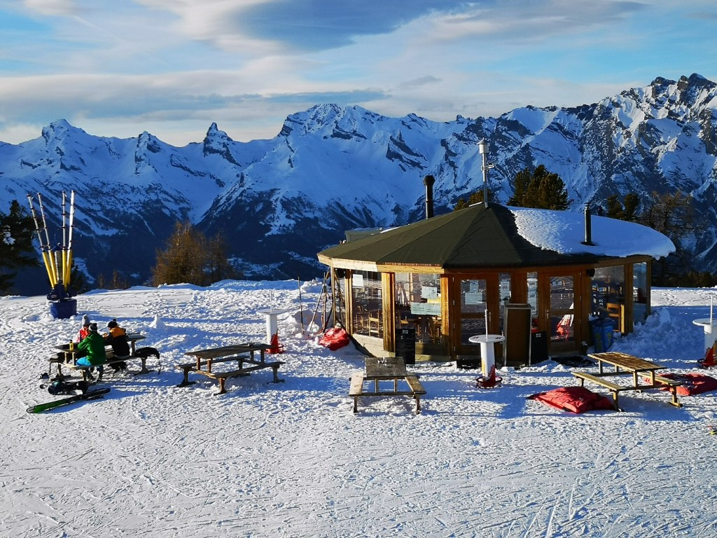 Restauracja Nendaz stok Narty Deska Szwajcaria 4 doliny 4 valles gdzie na narty