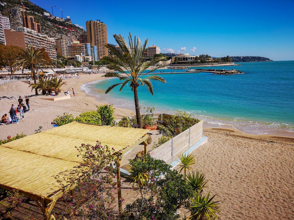 Monako co zwiedzić i zobaczyć w Monako monaco plaża larvotto