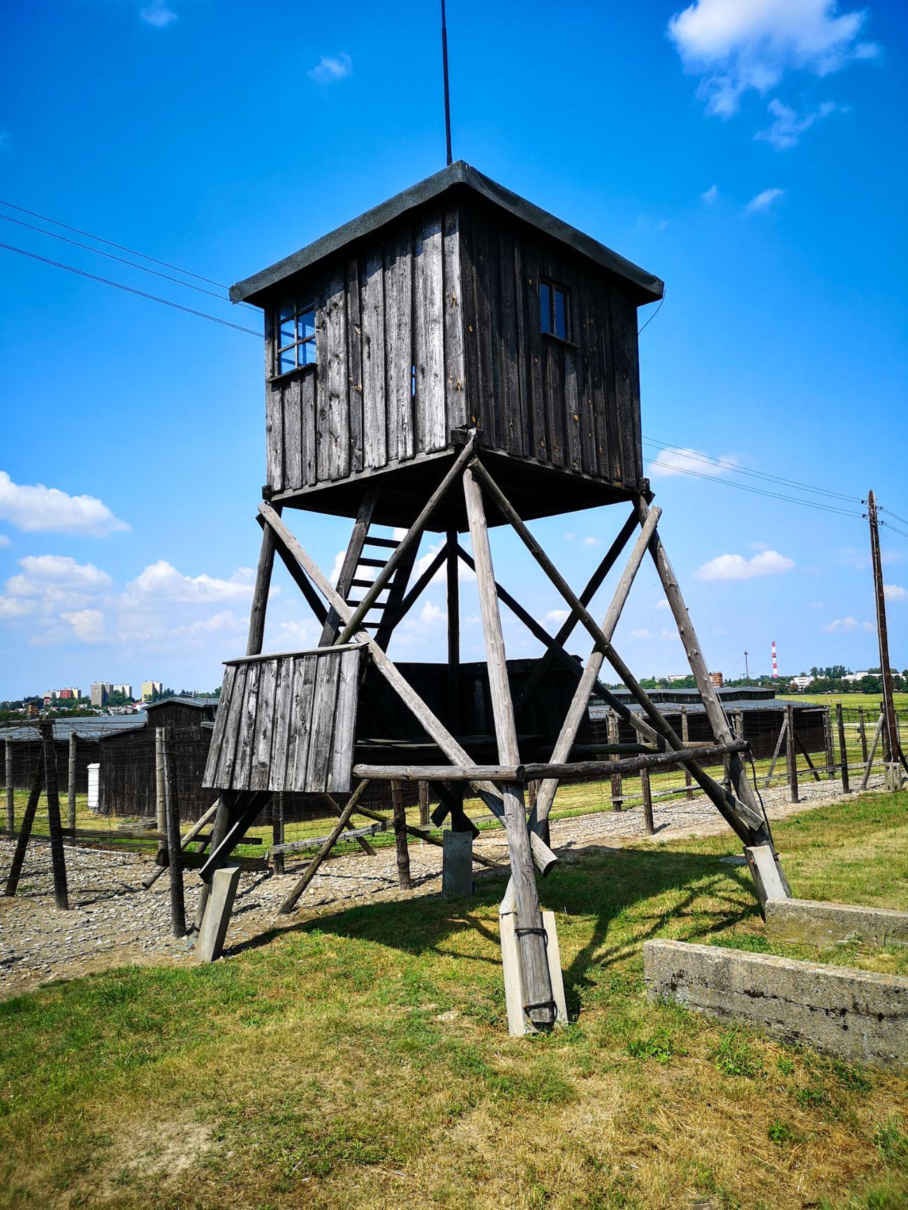 majdanek obóz lublin wieża strażnicza