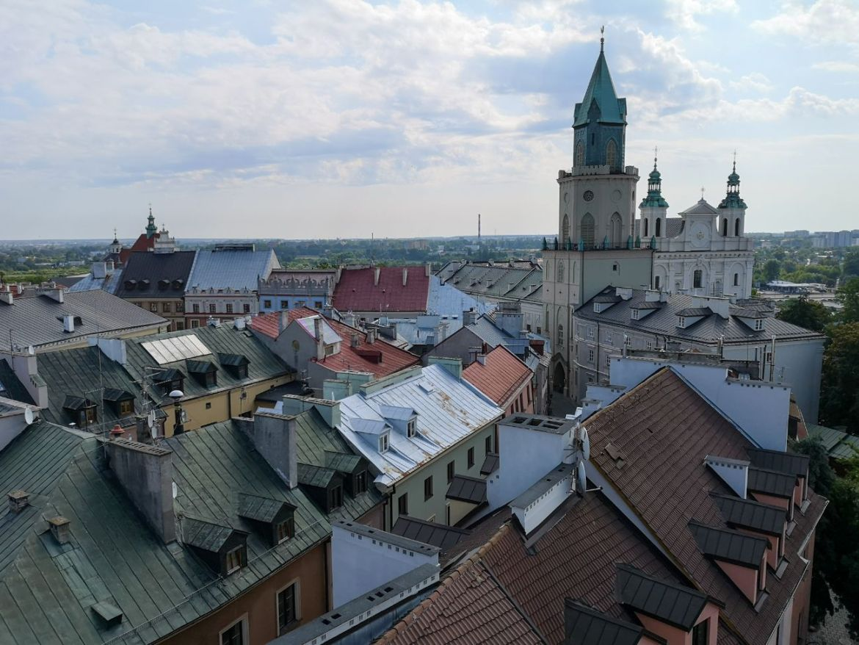 panorama z bramy krakowskiej co zwiedzić