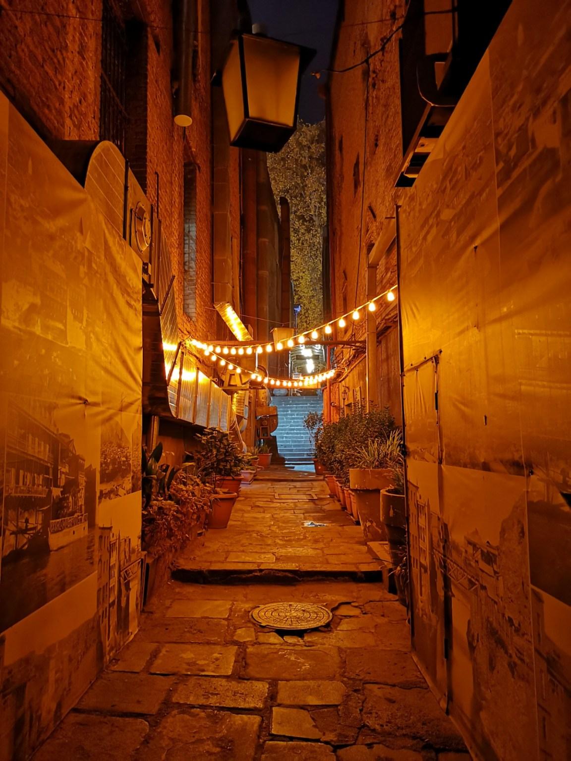 Cotton rows tbilisi nocą zwiedzanie restauracje kluby