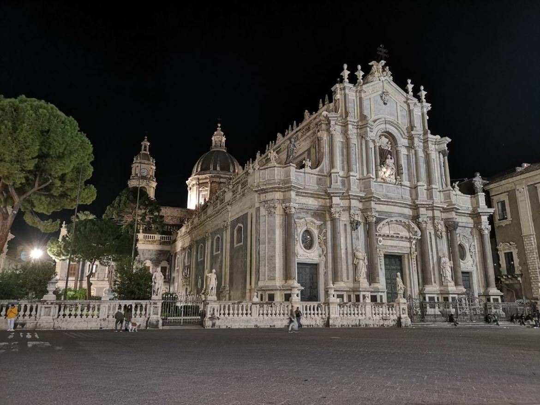 Plac Piazza del Duomo bazylika sw agaty katania zwiedzanie