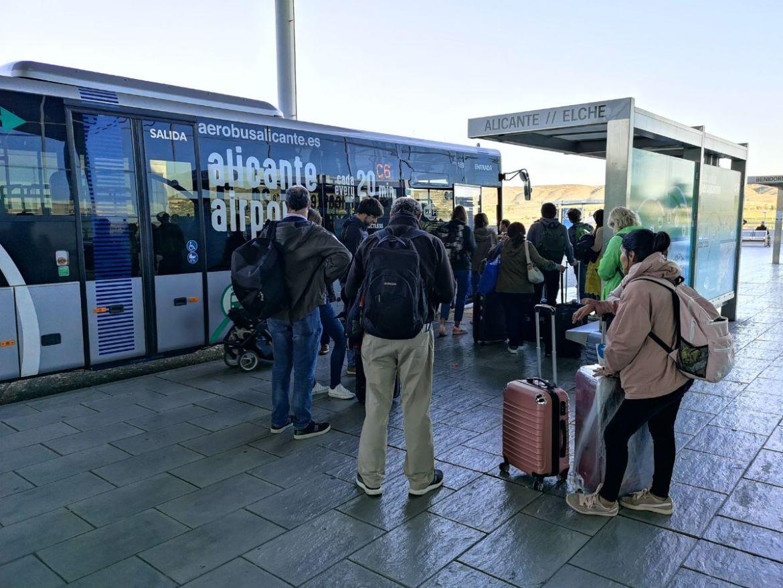 alikante aerobus lołączenie z lotniska jak dojechać z lotniska dojezd z lotniska alicante