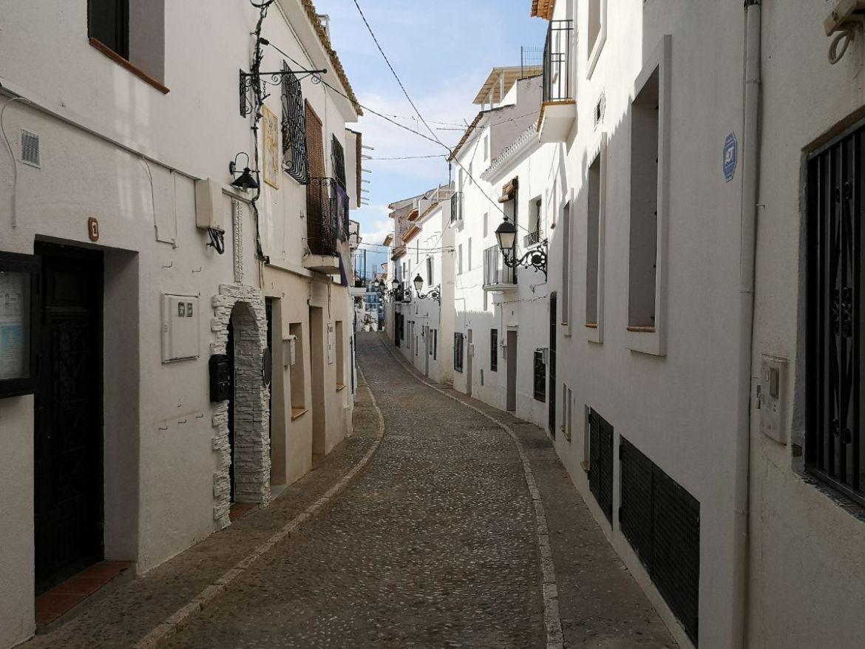 ulice altea hiszpania costablanca zwiedzanie białe domy
