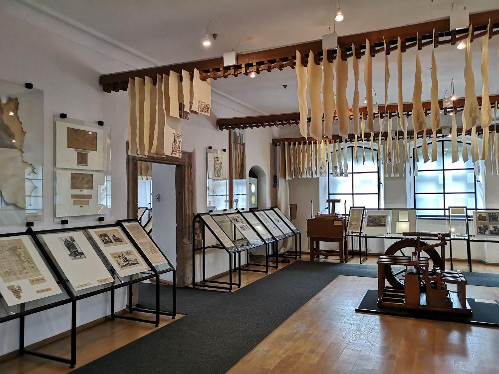 muzeum papiernictwa młyn papierniczy duszniki- zdrój zwiedzanie z dziećmi
