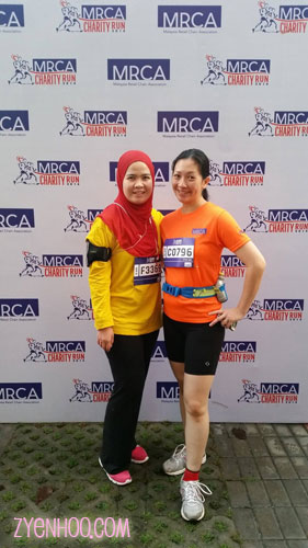 Wan and I berposing at the photobooth area before the run