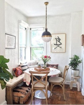 Adorable Family Dining Room Decorating Ideas 07