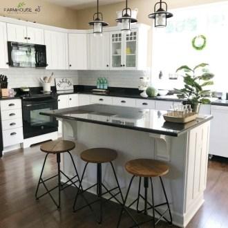 Adorable Rustic Farmhouse Kitchen Design Ideas 24