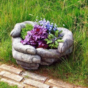 Cozy Decorative Garden Planters Design Ideas 02
