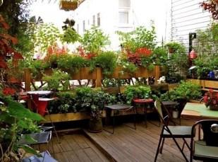 Creative Diy Small Apartment Balcony Garden Ideas 33