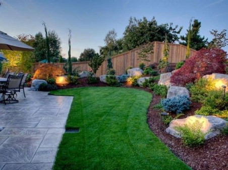 Easy And Low Maintenance Front Yard Landscaping Ideas 16
