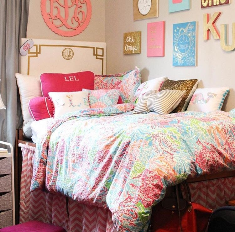 Efficient Dorm Room Organization Decor Ideas 44