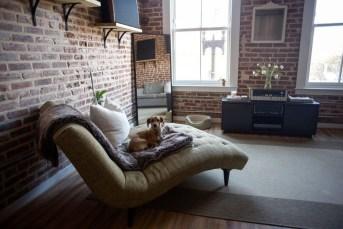 Elegant Exposed Brick Apartment Décor Ideas 22