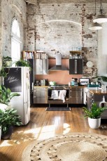Elegant Exposed Brick Apartment Décor Ideas 24