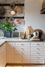 Elegant Exposed Brick Apartment Décor Ideas 38
