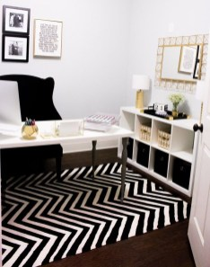 Relaxing Black And White Apartment Décor Ideas 03