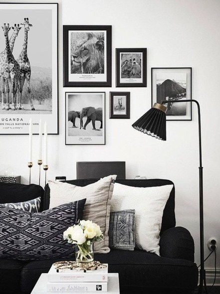 Relaxing Black And White Apartment Décor Ideas 35