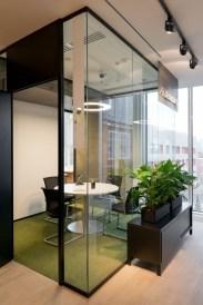 Relaxing Green Office Décor Ideas 05