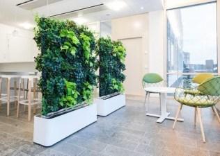 Relaxing Green Office Décor Ideas 22