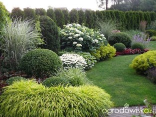 Relaxing Small Garden Design Ideas 10