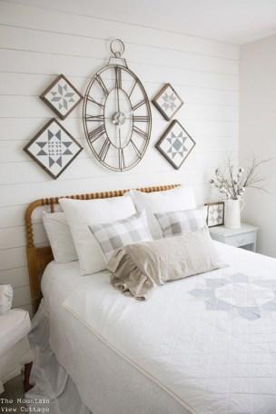 Comfy And Casual Farmhouse Home Design Ideas 35
