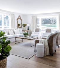 Comfy And Casual Farmhouse Home Design Ideas 40