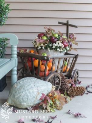 Cozy Fall Porch Farmhouse Style 33