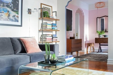Cozy Small Apartment Bedroom Remodel Ideas 24