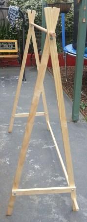 Easy And Practical Clothing Racks For Casual Décor Ideas 09