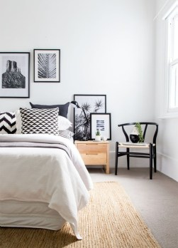 Easy Minimalist And Cozy Bedroom Decor Ideas 17