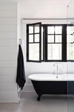 Luxury Black And White Bathroom Design Ideas 41