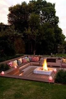 Attractive Sunken Ideas For Backyard Landscape 33