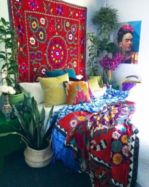Comfy Boho Bedroom Decor With Attractive Color Ideas 47